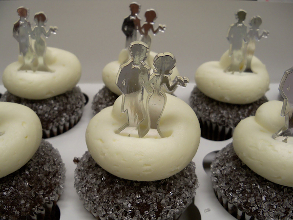 chocolate wedding cupcakes