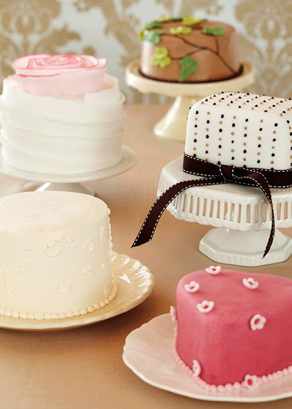 Mini Wedding Cakes Bitsy Bride