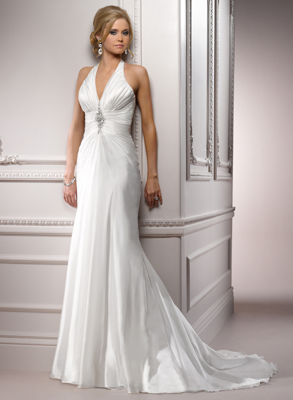 Halter wedding dresses bitsy bride for Around the neck wedding dresses