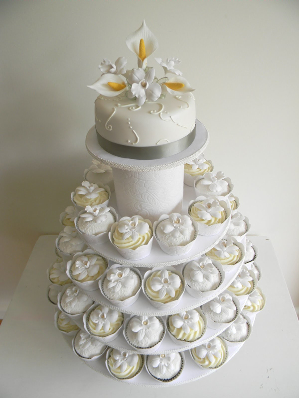 White Wedding Cupcakes - Bitsy Bride