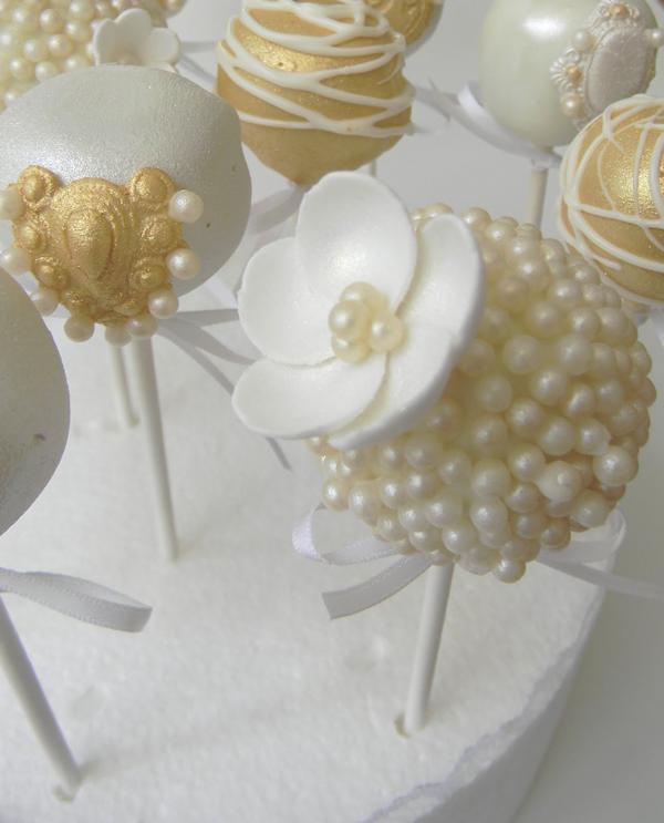Images Wedding Cake Pops : White Cake Pops - Bitsy Bride