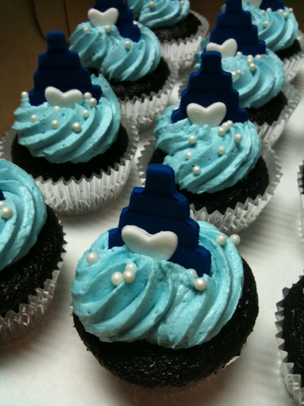 Light & Dark Blue Cupcakes