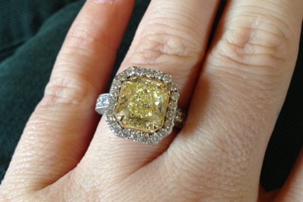 Perfect Kelly Clarksonu0027s Yellow Canary Diamond Engagement Ring
