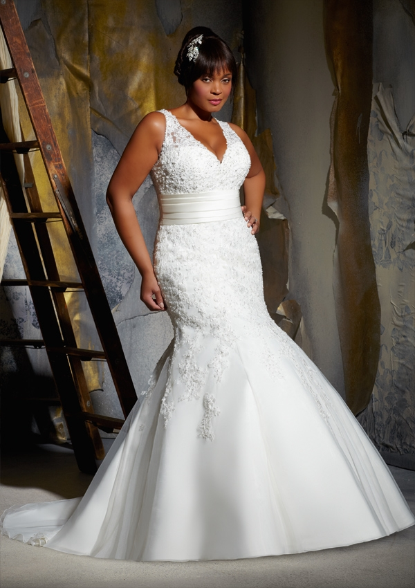 Full figured wedding dresses by mori lee bitsy bride for Wedding dresses for larger figures
