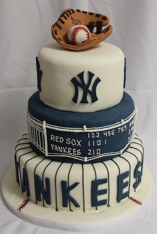 Yankee's Fan Groom's Cake