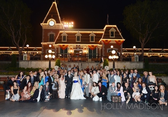 holly-madison-exclusive-wedding-pictures-16-580x406