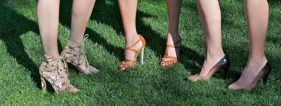 03MAR2015 - High heels in grass