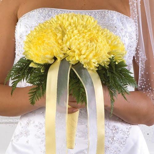 Chrysanthemums-wedding-bouquet